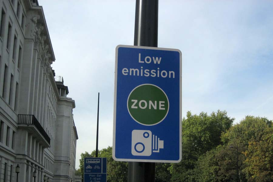 Low Emission Zone Sign London